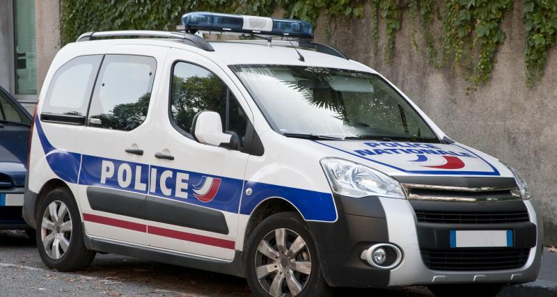La cavale des voleurs de voiture prend fin après une course-poursuite avec la police