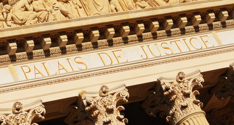 Un chauffeur de Macron au tribunal : amende et suspension de permis à la clé