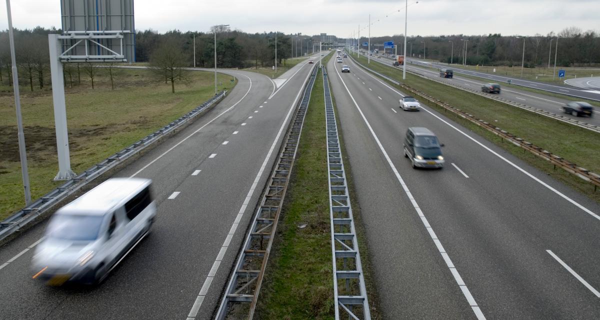 À 138 km/h sur une départementale au volant de son Audi Q5