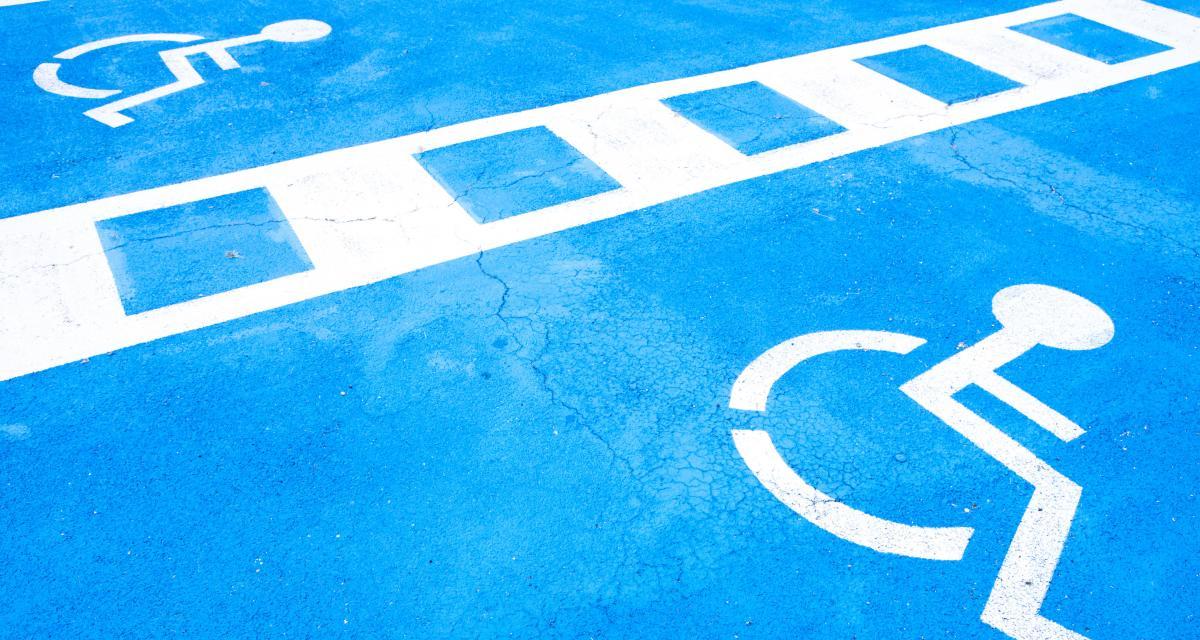 Carte de stationnement handicapé : les policiers lancent la chasse aux fraudeurs