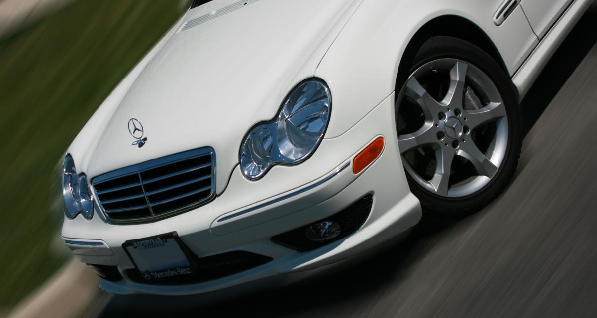 Il monte à 200 km/h au volant de sa Mercedes Classe A