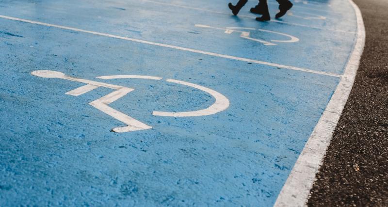 Carte de stationnement handicapé : qui peut la demander ?