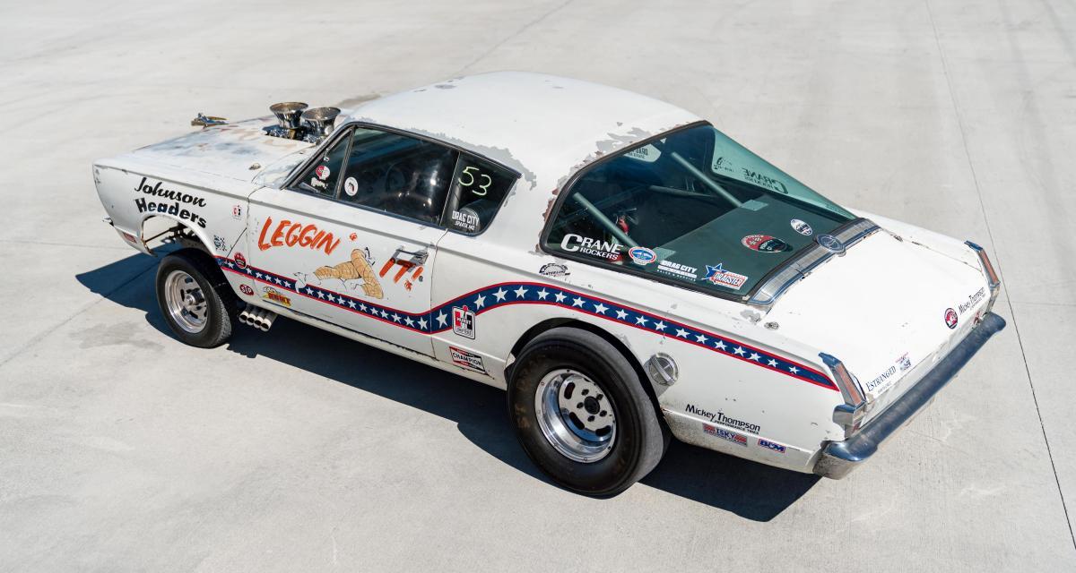 Dragster Plymouth Barracuda sur son Dodge C-500 : un V8 peut en cacher un autre