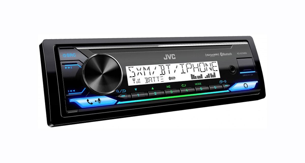 Un autoradio numérique avec commande vocale Alexa chez JVC