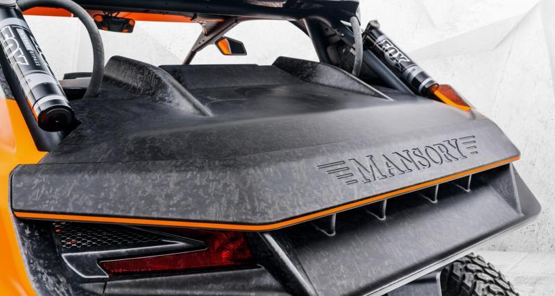 Un buggy orange et noir