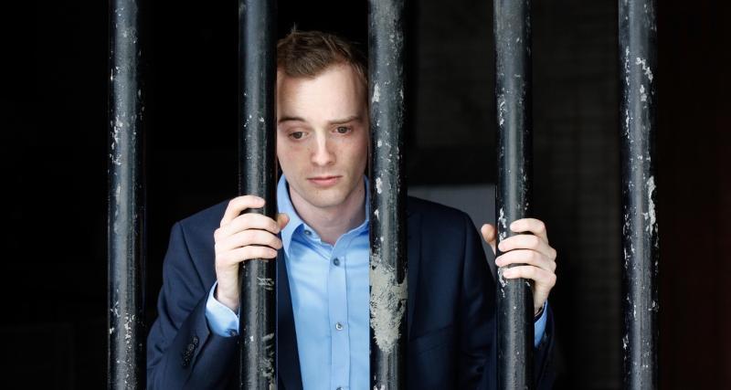 3750 يورو وستة أشهر السجن 800-L-covid-19.jpg