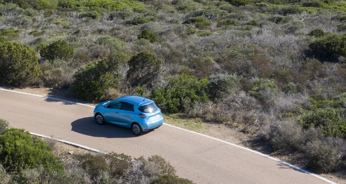 Renault Zoé 2 VS Opel Corsa-e : que vaut la citadine au blitz face à la référence ?