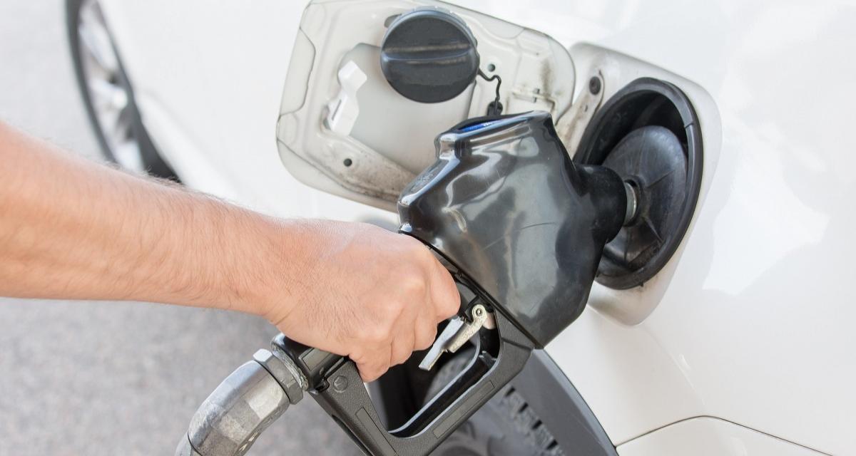 Chute du prix de l'essence : faites des pompes !
