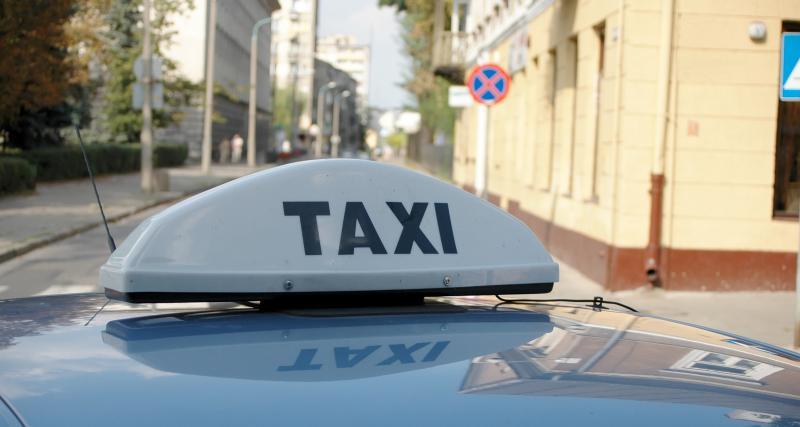 Utilisation de la voiture en confinement : puis-je prendre un taxi ou un VTC ?