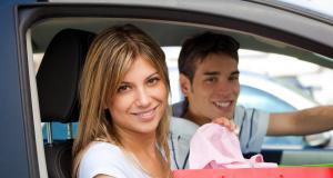 Utilisation de la voiture en confinement : peut-on rouler à plusieurs dans une même voiture ?