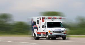 Confinement : des jeunes caillassent une ambulance à Nantes !