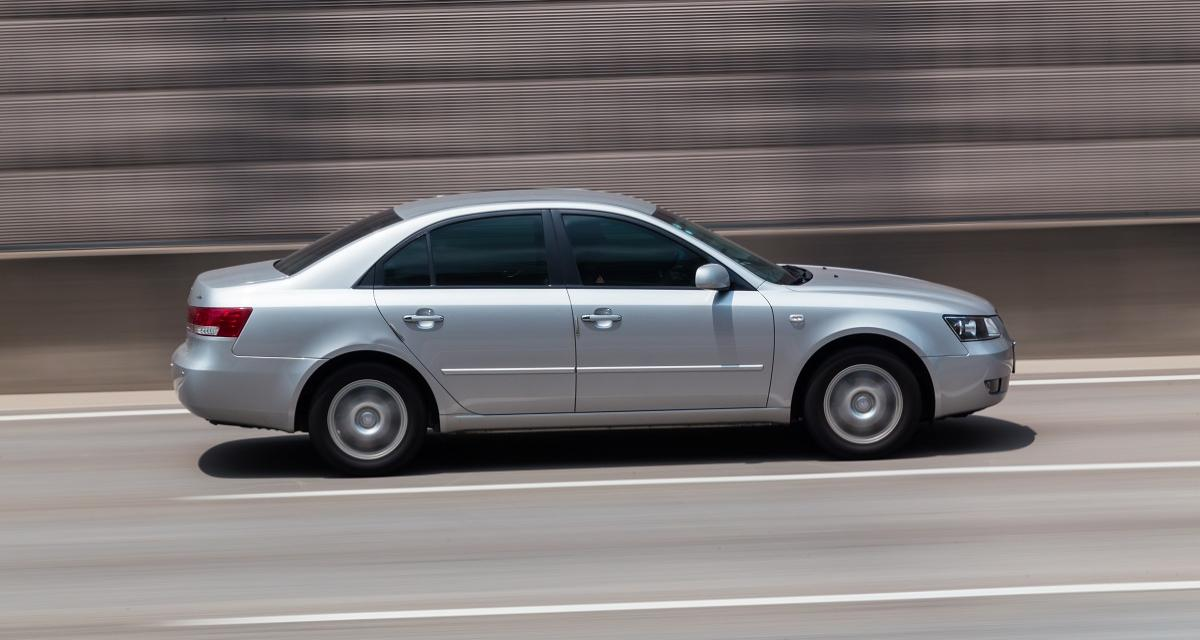 Confinement : il s'enfuit à 114 km/h sur une route limitée à 50 !