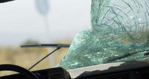 Confinement : un jeune dégrade deux voitures, la BAC débarque