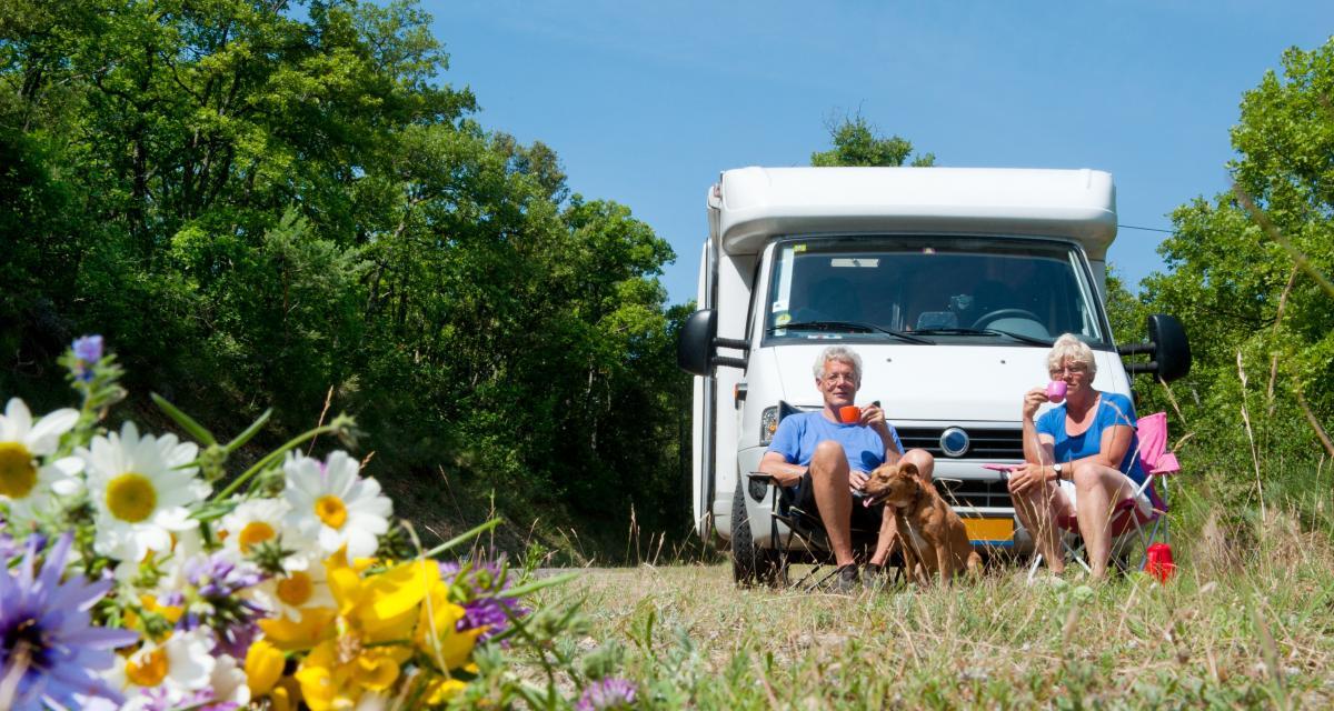 Confinement : des retraités bloqués depuis des semaines avec leur camping-car