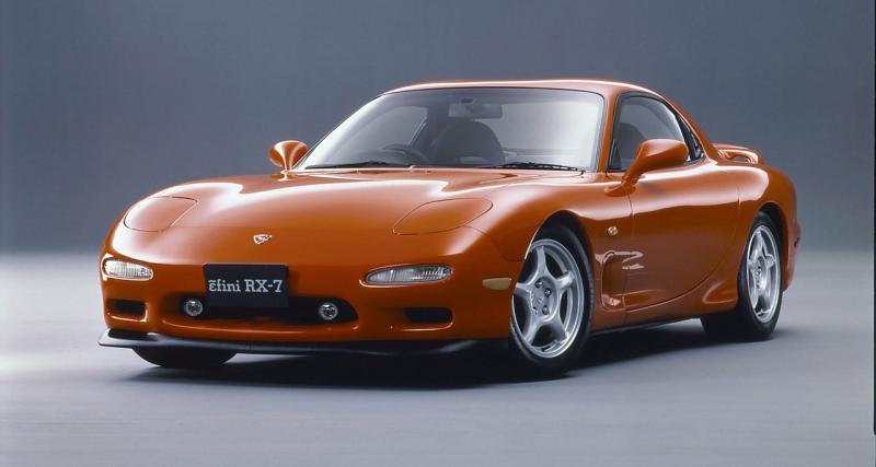 """Troisième génération : RX-7 """"FD"""" (1992-2002)"""