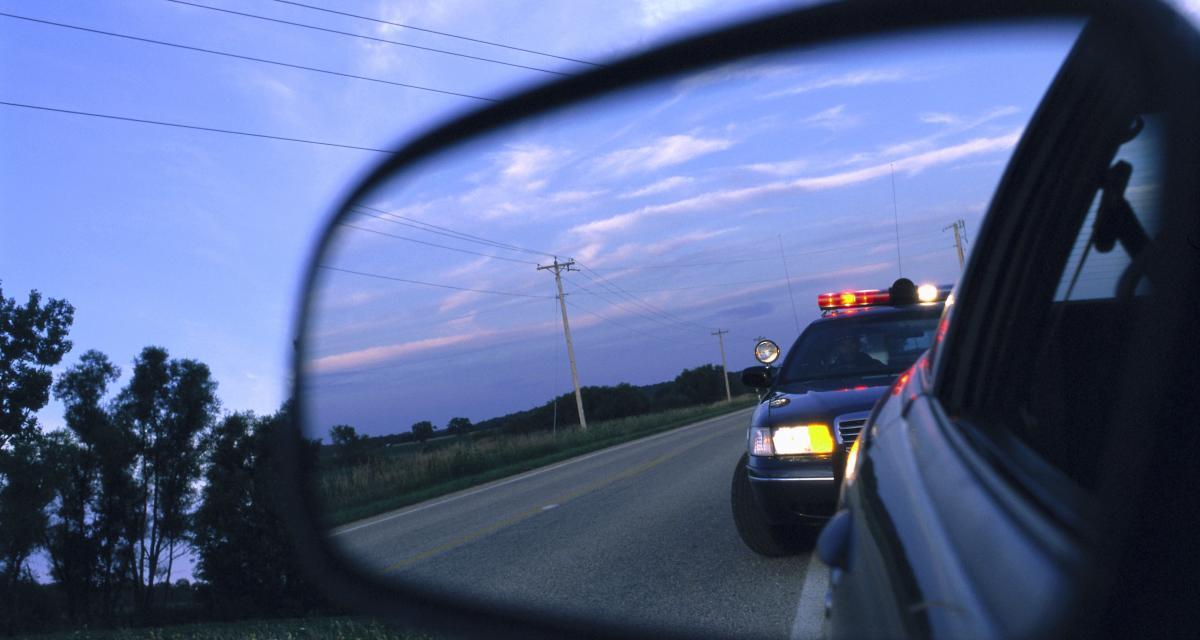 Confinement : à 17 ans il percute la voiture des policiers après une course-poursuite