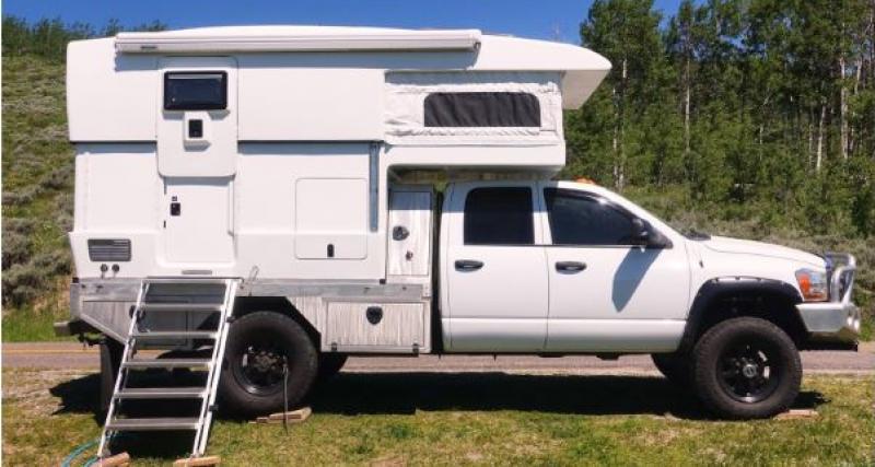 Camping-car : le Ford F-350 passe en mode maison sur 4 énormes roues !