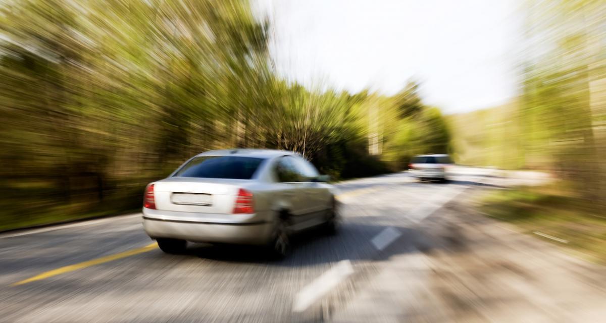 Course poursuite à 140 km/h sur des routes de campagne !