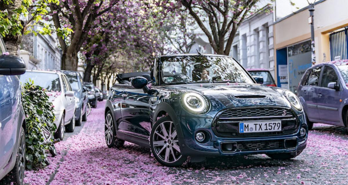 Mini Cabrio Sidewalk : en mode cerisier du Japon