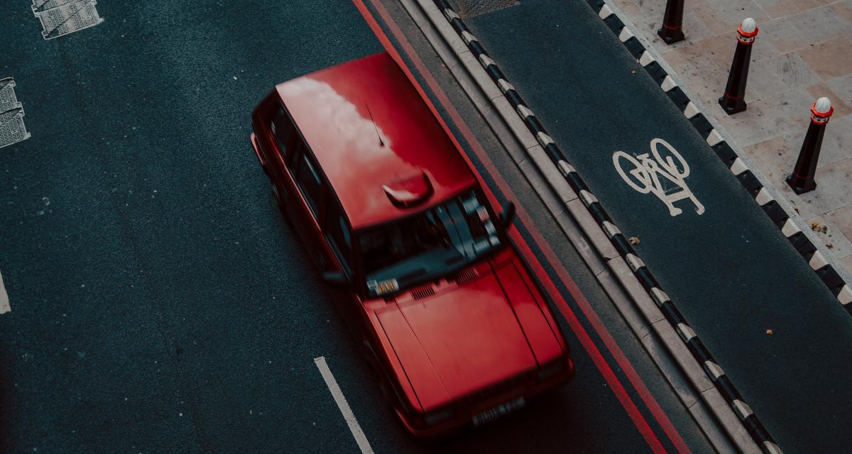 Assurance auto : les voitures rouges plus chères à assurer ?