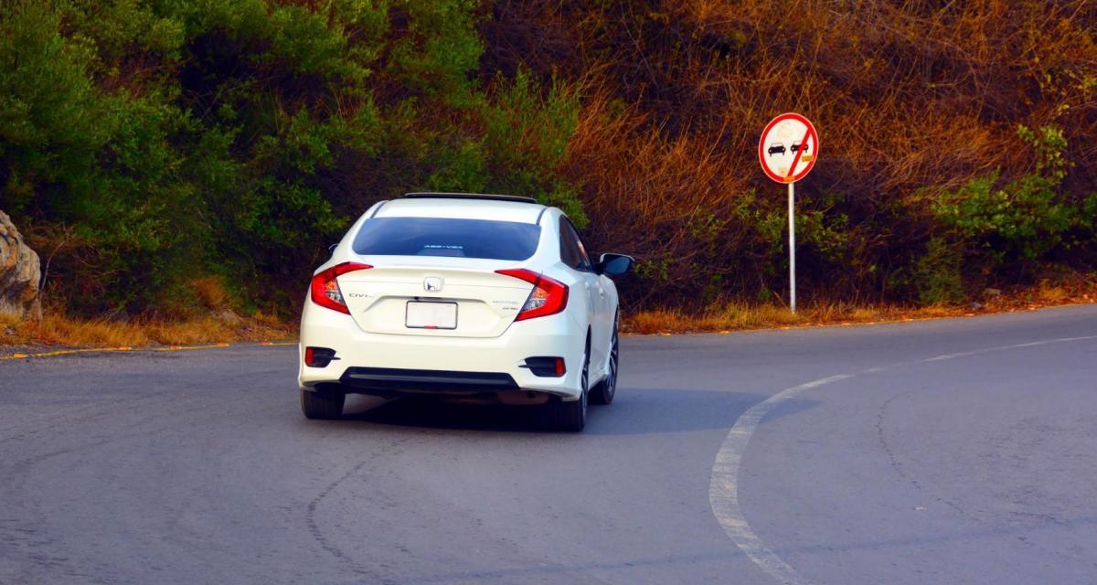 Fous du volant : après un doigt d'honneur aux gendarmes, elle roule 30 km à contresens sur l'autoroute