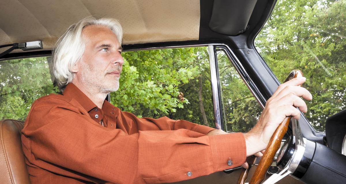 Fous du volant : à 71 ans il roule à 216 km/h sur une départementale