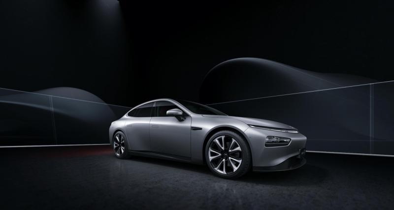 Elle se positionne entre la Model 3 et la Model S