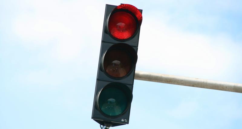 Excès de vitesse - radar de feu rouge : comment ça marche ?