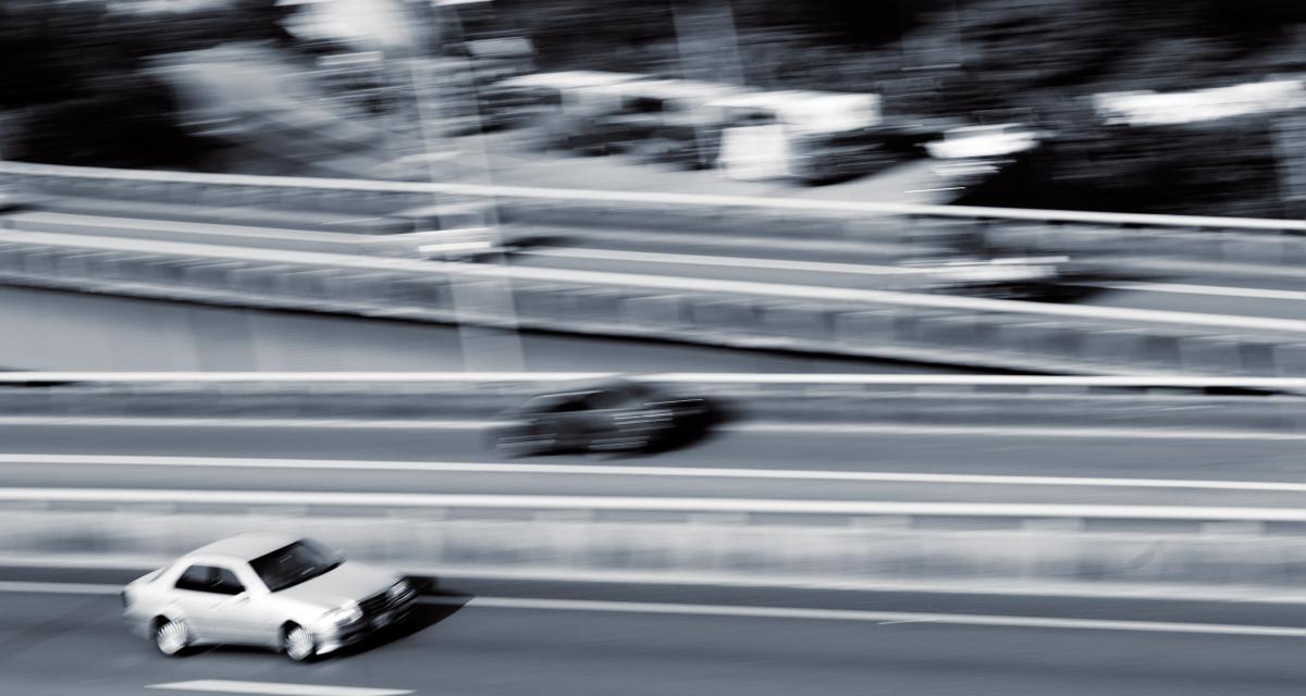 Fous du volant : flashé à plus de 220 km/h sur le périf' !