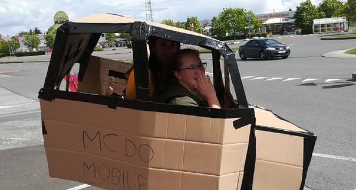Fous du McDo : elle construit une voiture en carton pour retirer sa commande au Drive