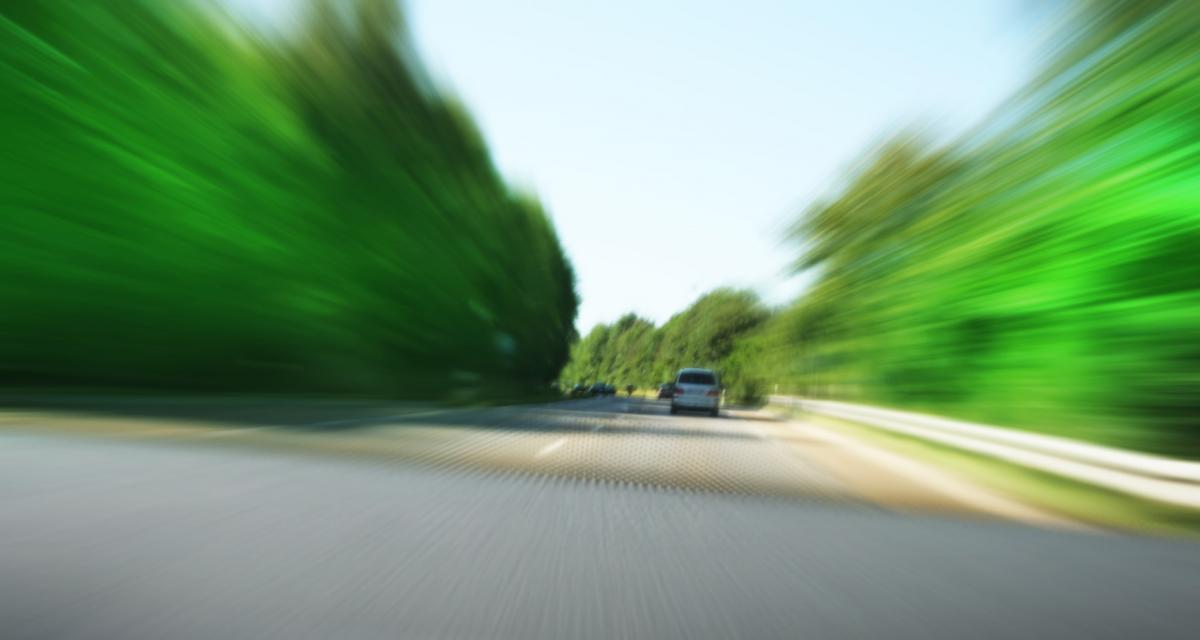 Fous du volant : à 70 ans il roule 4 km à contresens sur une voie expresse avec une Dacia Duster