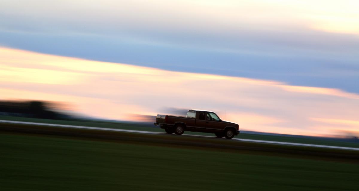 A 151 km/h au lieu de 80 sur une route départementale, il perd son permis de conduire