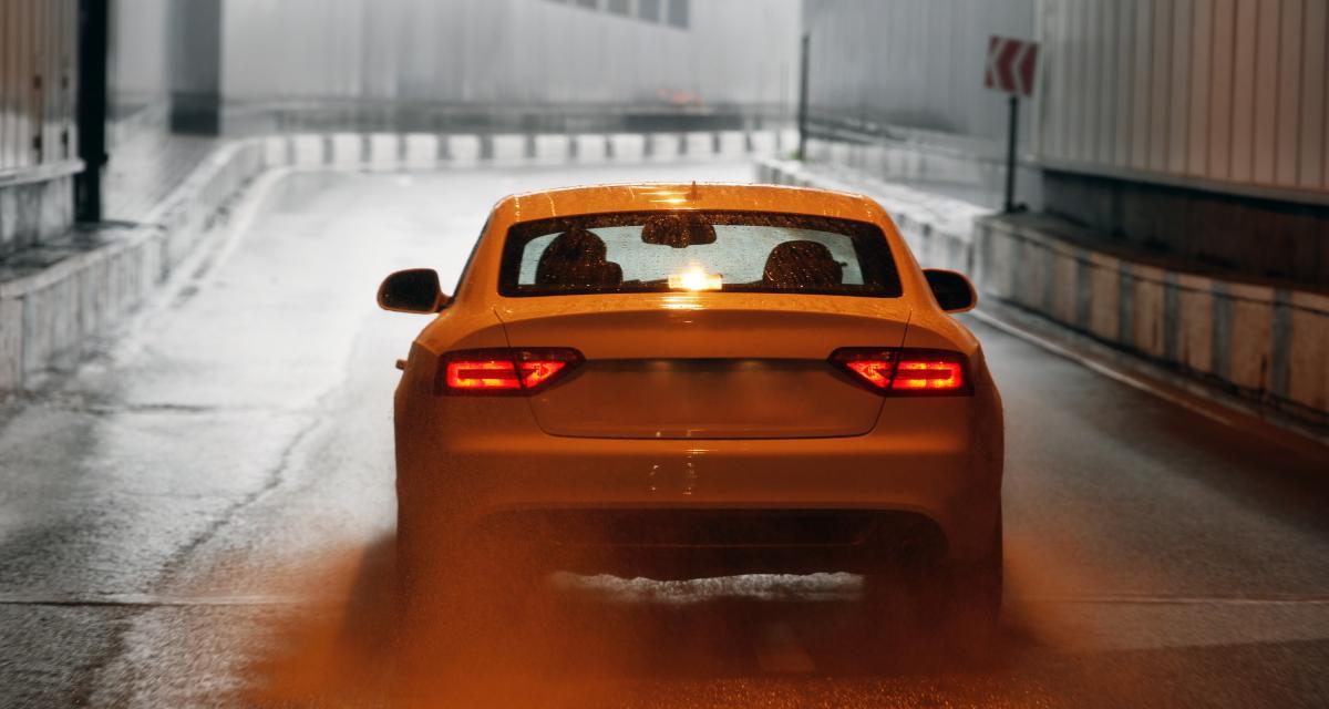 Grand excès de vitesse : flashé de nuit dans un tunnel à 184 km/h