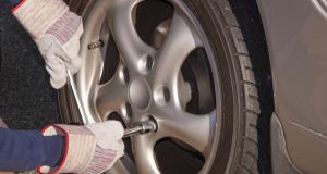 Tendance conso : optez pour le montage de vos pneus à domicile