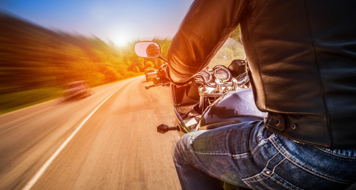 Fous du guidon : il roule à près de 240 km/h sur une départementale et risque de perdre son emploi