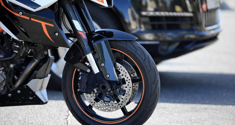 110 km/h au-dessus de la vitesse autorisée, un motard y laisse son permis