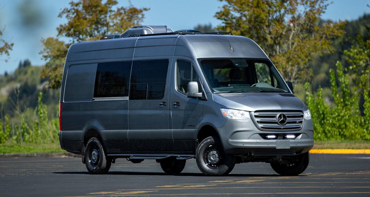 Camping-car OutsideVan : Alpine Palace, le van aménagé pour toute la famille