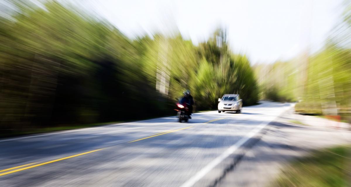 À 200 km/h sur une nationale, un motard perd son permis de conduire