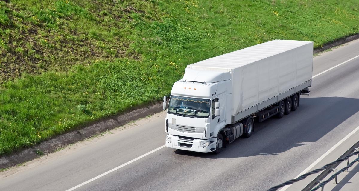 Un camion-citerne renverse 1 tonne de chocolat sur la route !