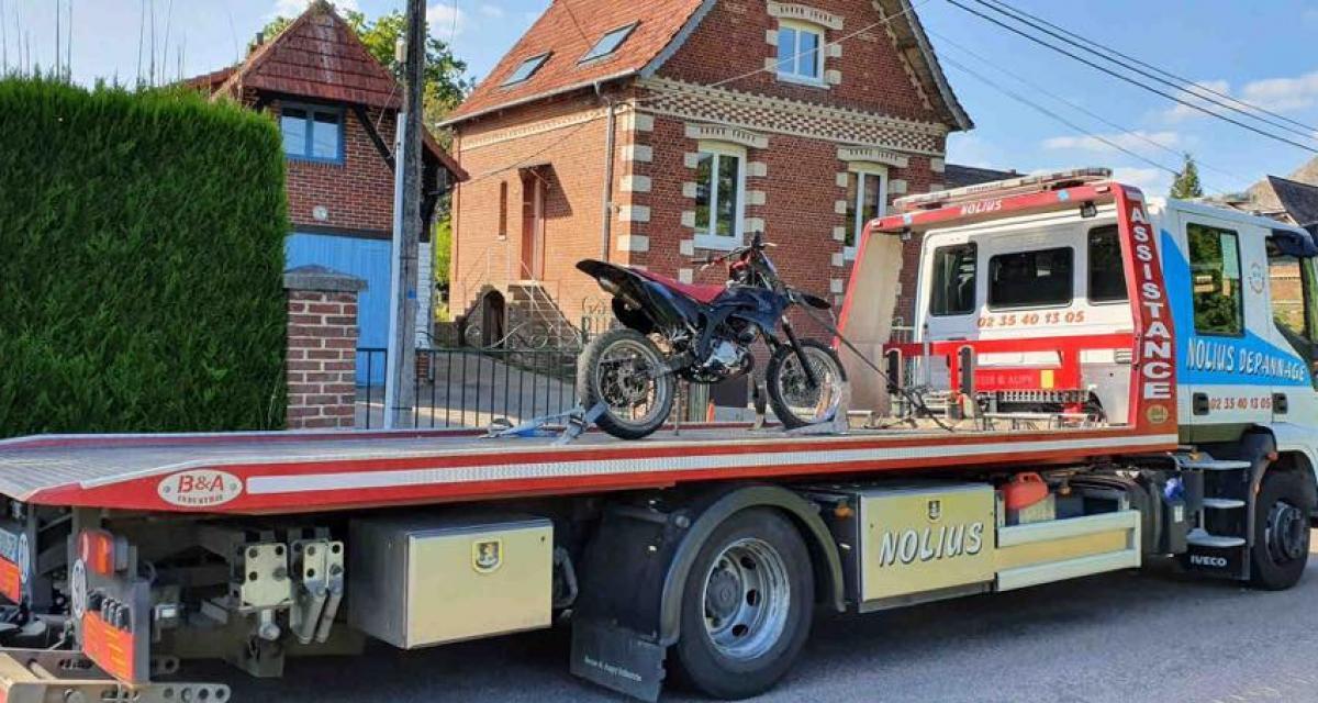 Un motard arrêté au cours d'un contrôle : bilan, 10 infractions et un accident