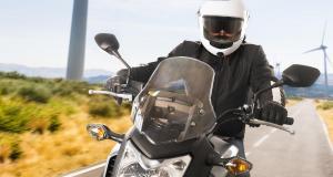 Fous du guidon : flashé à 187 km/h… sans permis ni assurance
