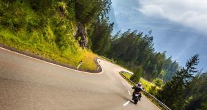 Fous du guidon : il perd son permis et sa moto après un excès de 127 km/h