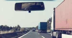 Contrôlé à près de 200 km/h avec sa voiture de société malgré son permis déjà suspendu