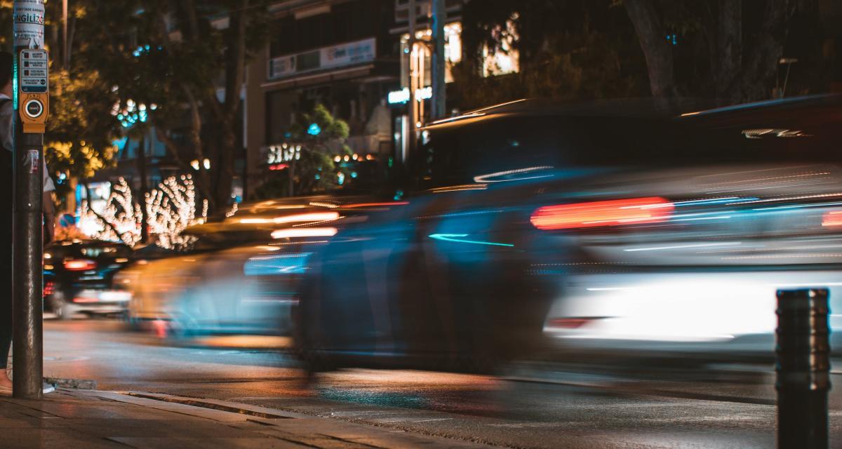 Excès de vitesse et retrait de permis : flashé à 176 km/h sur une route limitée à 80