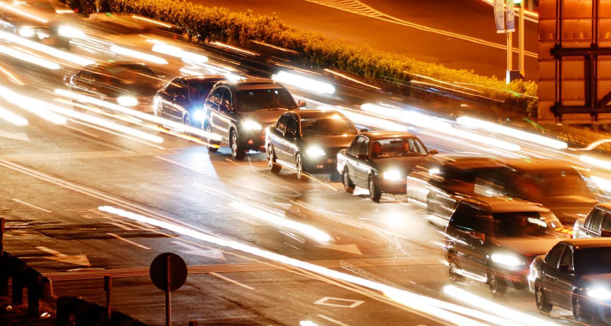 Entretien de ma voiture - éclairage auto : comment savoir quand changer mes ampoules ?