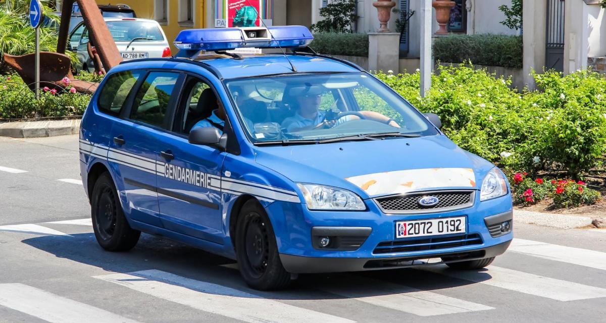 Fous du volant : en état d'ivresse, il prend la fuite et percute la voiture des gendarmes