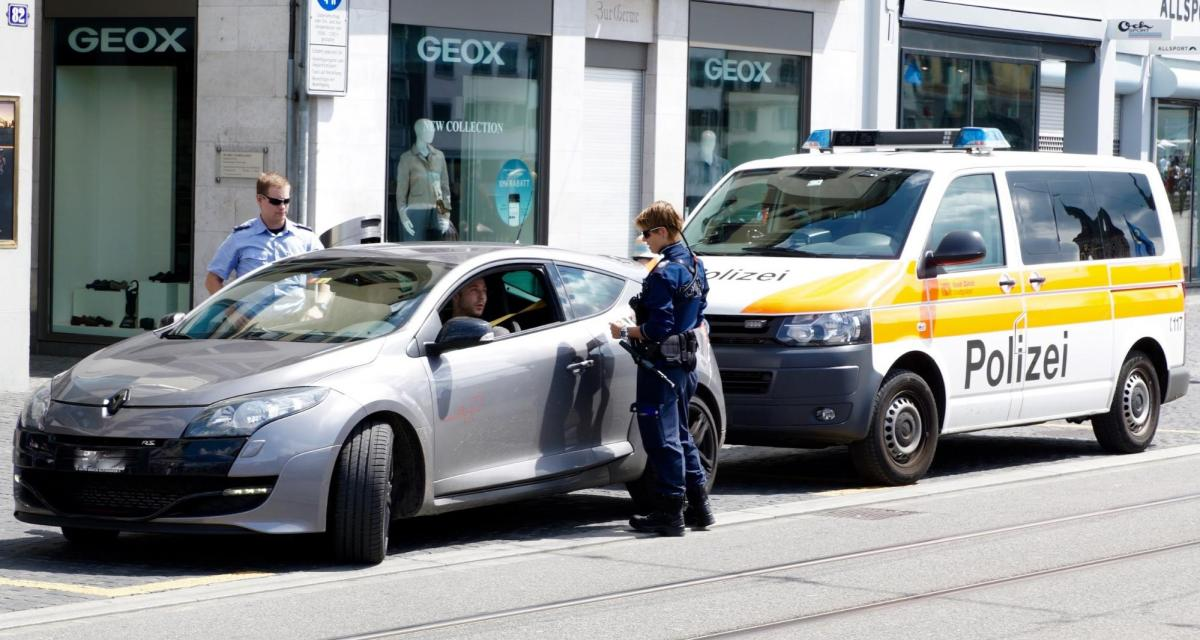 Fous du volant : près Arras la police se régale et retire 4 permis en un après-midi