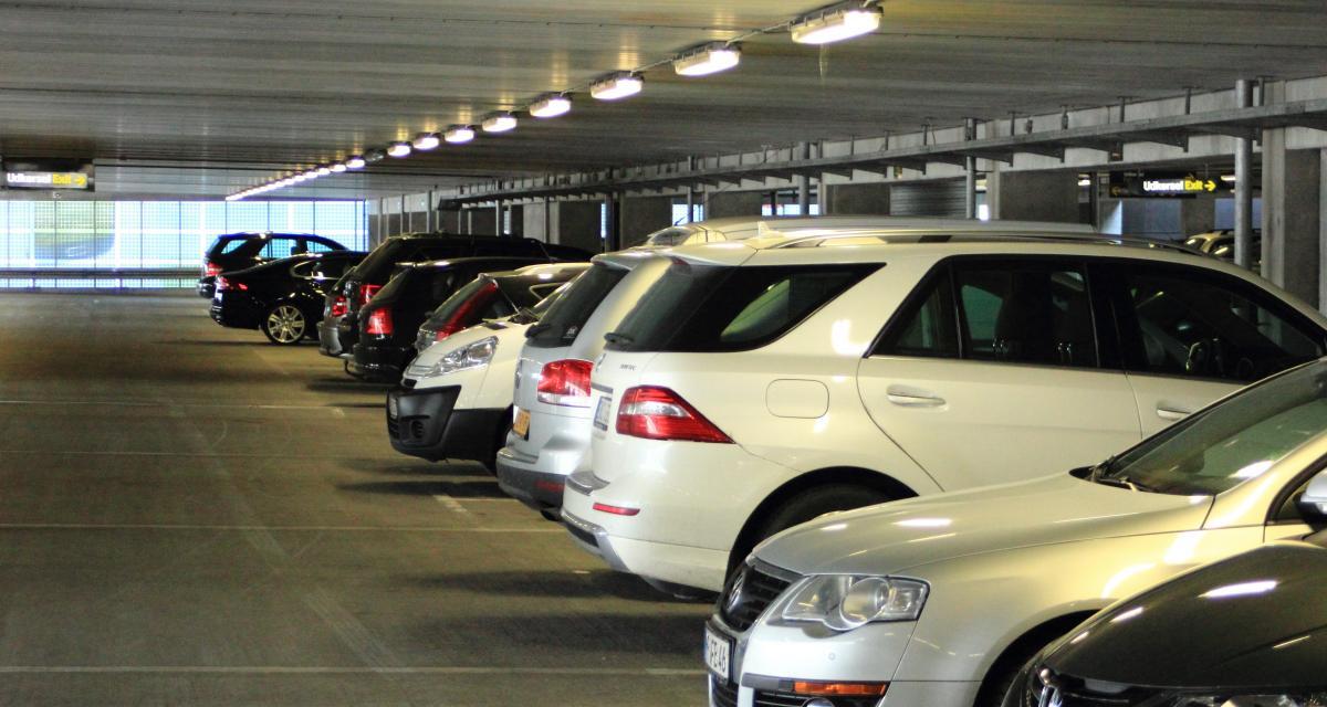 Arnaque au parking : la nouvelle arme de l'été des escrocs