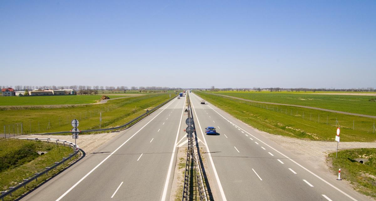 Les autoroutes bientôt limitées à 110 km/h : mesure polémique ?