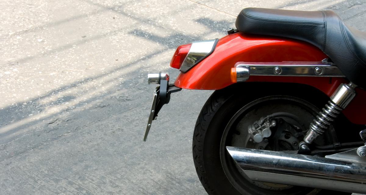 Récidiviste, il se fait flasher à 136 km/h au lieu de 50, adieu le permis et la moto